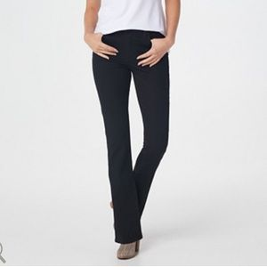 Kut from the Kloth Bootcut Jeans Black Natalie
